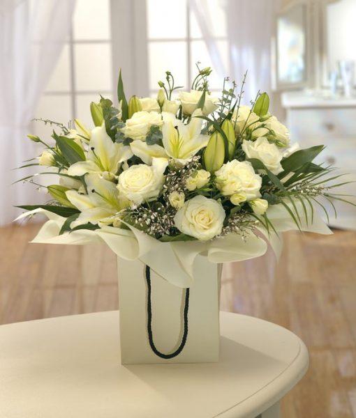 white_flowers_bag